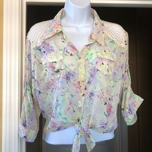 Floral Crocheted Crop Blouse XL